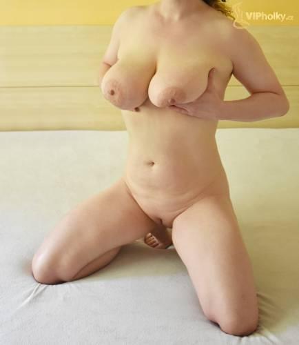 Prsatá blondýnka Andrea Olomouc-2